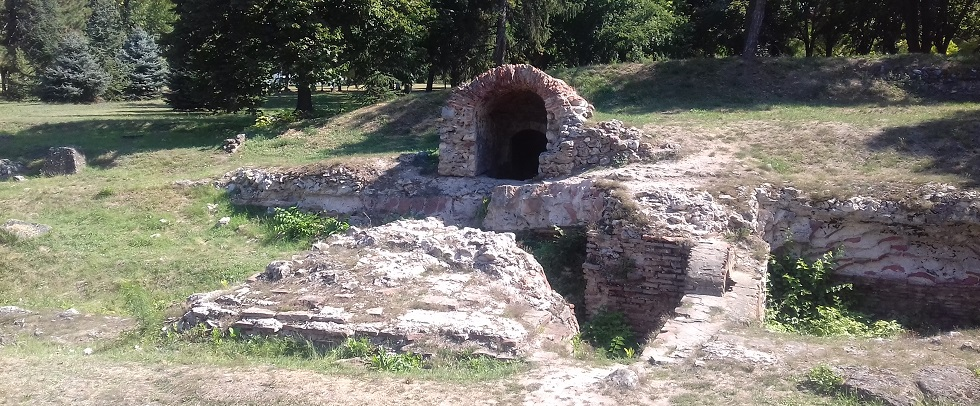 Antique street and early christian tomb in fortress of Niš, Ancient Roman monuments, Ancient Roman tomb, Christian basilica in Nis